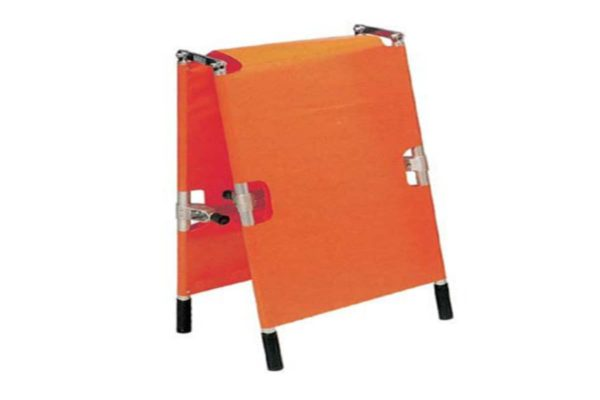 Stretcher - Foldable into 2